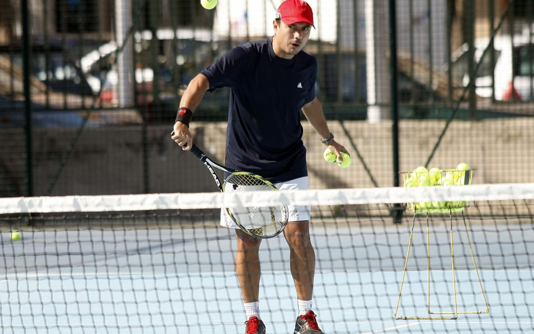 """El tenis como herramienta para la vida por Miguel González """"Soco""""."""